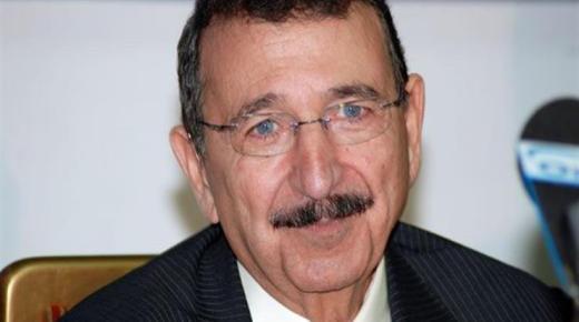 من هو الدكتور مصطفى السيد ؟