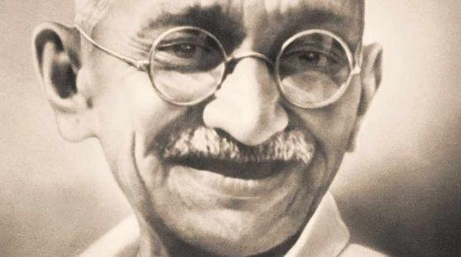 غاندي .. دعوات الاستقلال والتسامح اغتالها الهندوس