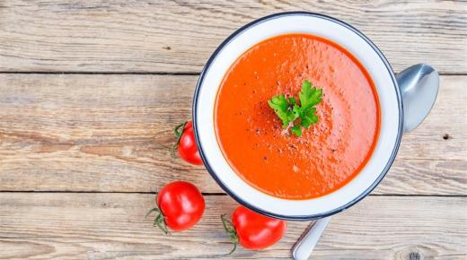 طريقة تحضير شوربة الطماطم اللذيذة