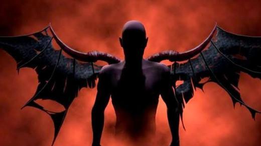 إبليس من الملائكة أم من الجن