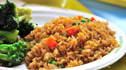 طريقة تحضير الأرز الصيني مع الدجاج