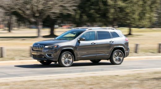 مواصفات وأسعار سيارة جيب شيروكى Jeep Cherokee 2019 فى السعودية