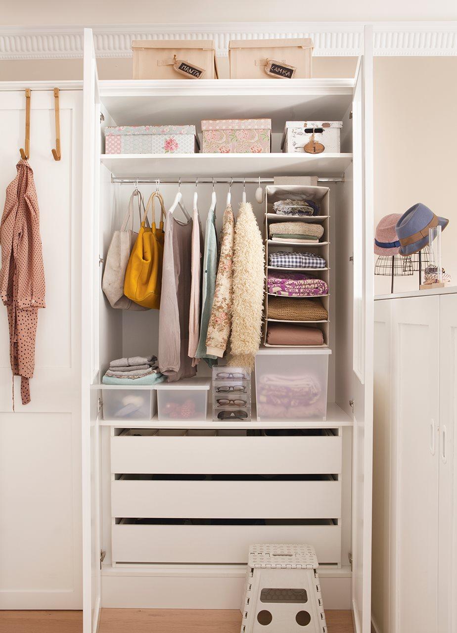 Cmo organizar el armario en una espacio para dos
