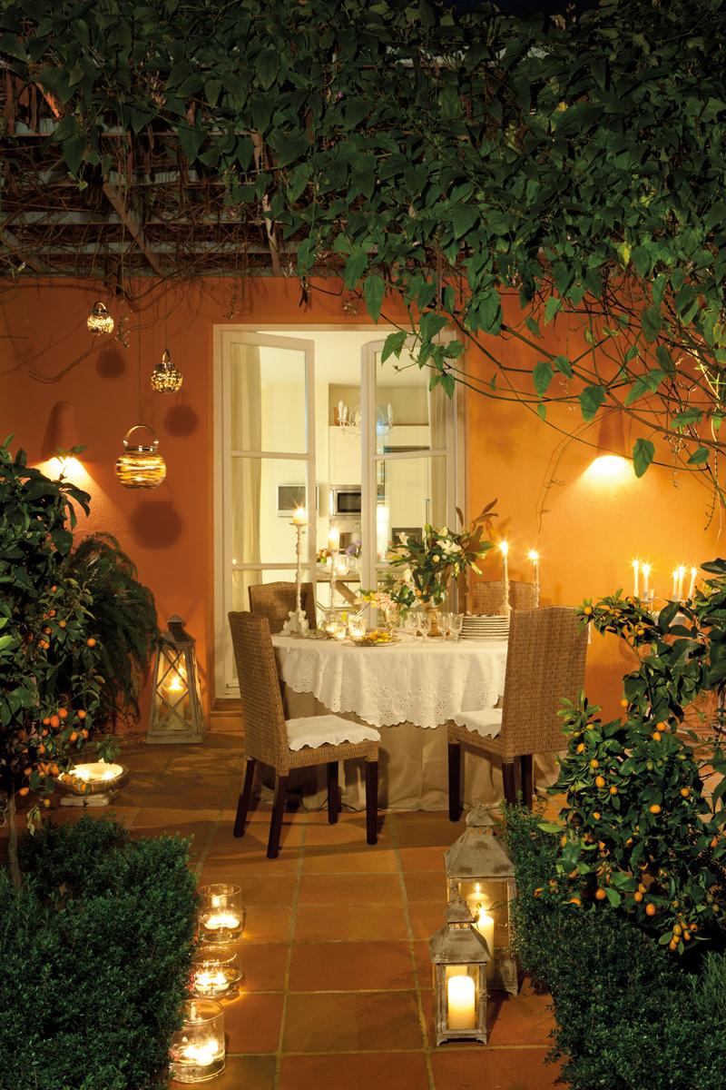 Cmo decorar la terraza o el porche por la noche