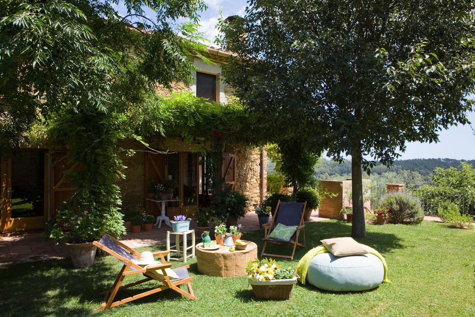 tan sofa ideas green velvet canada crear un rincón chill out en casa