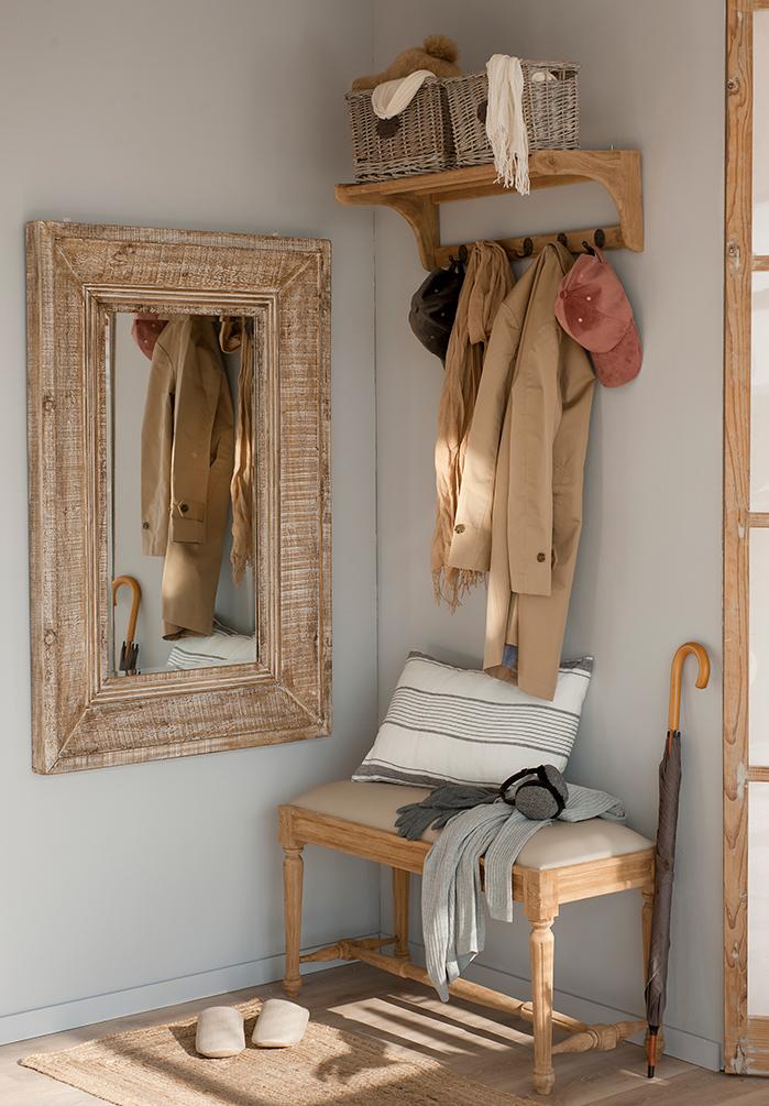 Cmo ordenar y organizar la ropa con colgadores y percheros