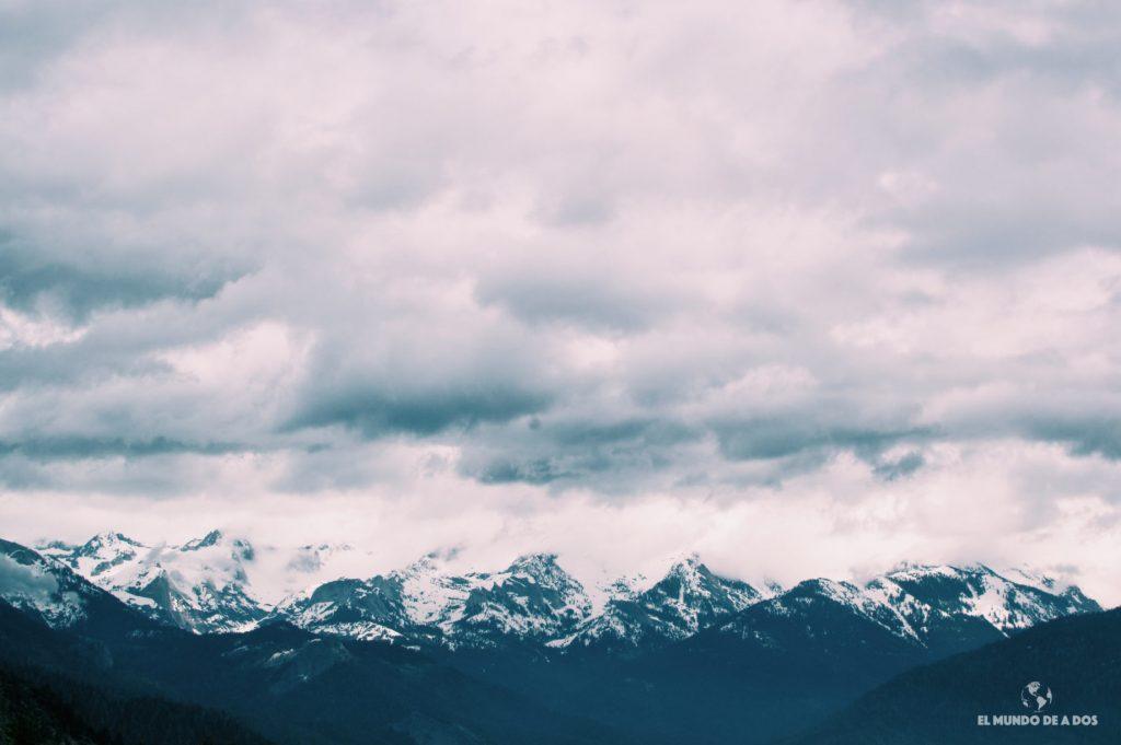 Un mirador hacia las montañas. Parque Nacional de las Secuoyas