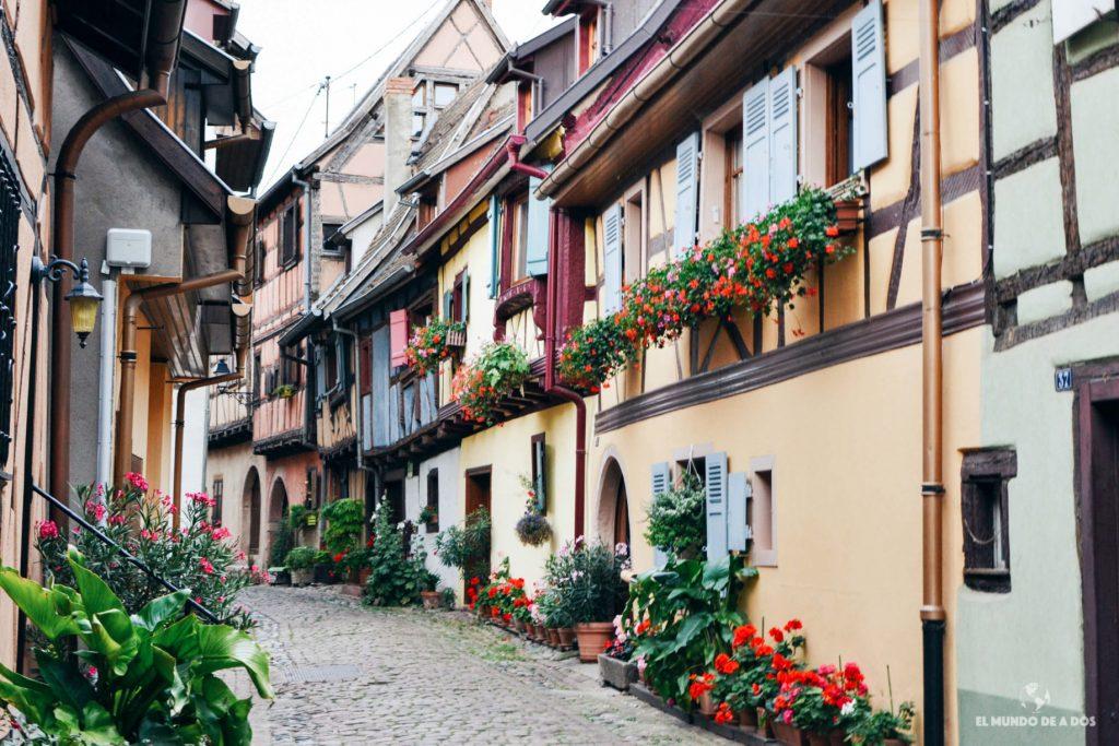Casas pintadas de Eguisheim. Eguisheim Francia