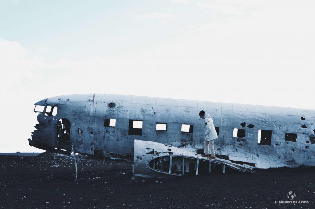 DC-3 wreckage. Ruta por Islandia en 10 días