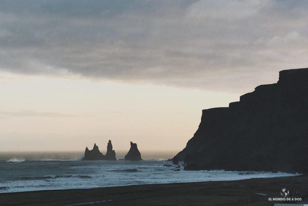 Atardecer en Vík. Ruta por Islandia en 10 días