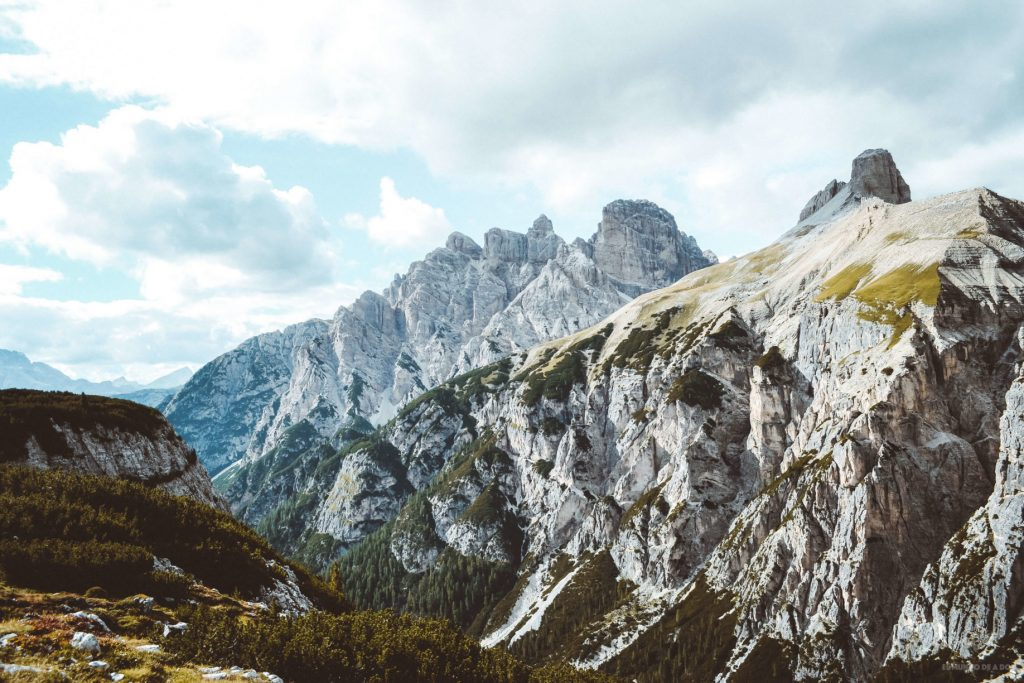 Vista desde las Tres Cimas de Lavaredo. Viaje a los Dolomitas en verano