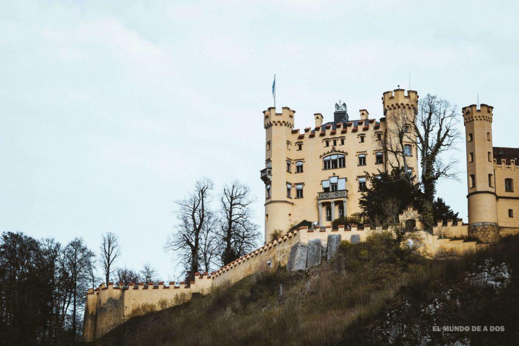 El castillo Hohenschwangau. Neuschwanstein, castillo del rey loco