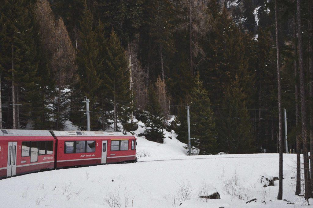 A bordo del Bernina Express. Suiza en invierno