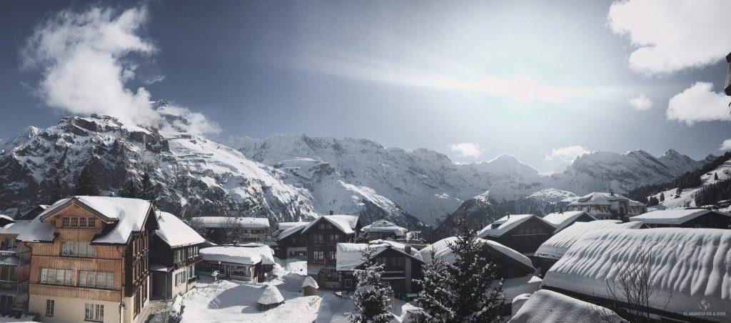 Pueblo de Suiza en invierno