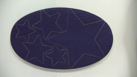 Rodillera termo-adhesiva con las estrellas dibujadas