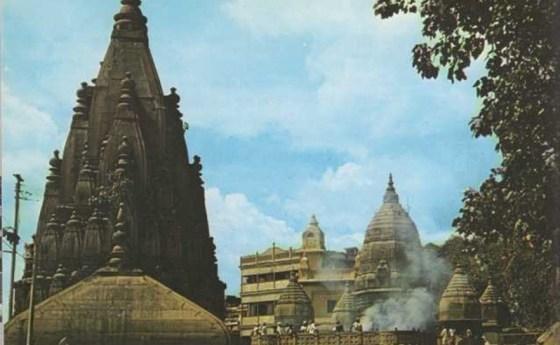 Templos junto al río