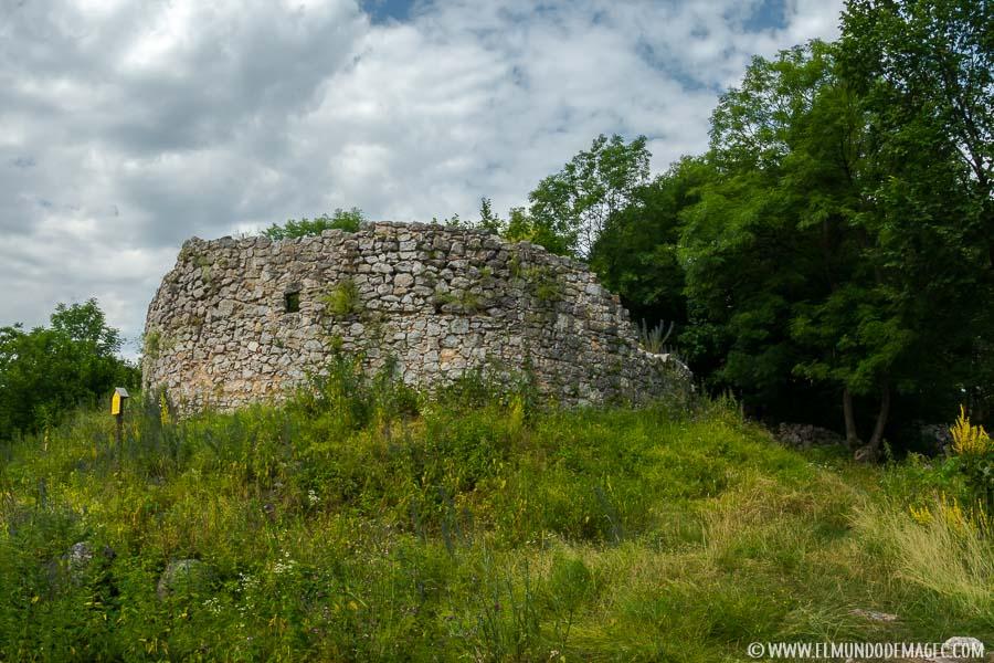 Senderismo en Hungría - Ruinas de Szadvar