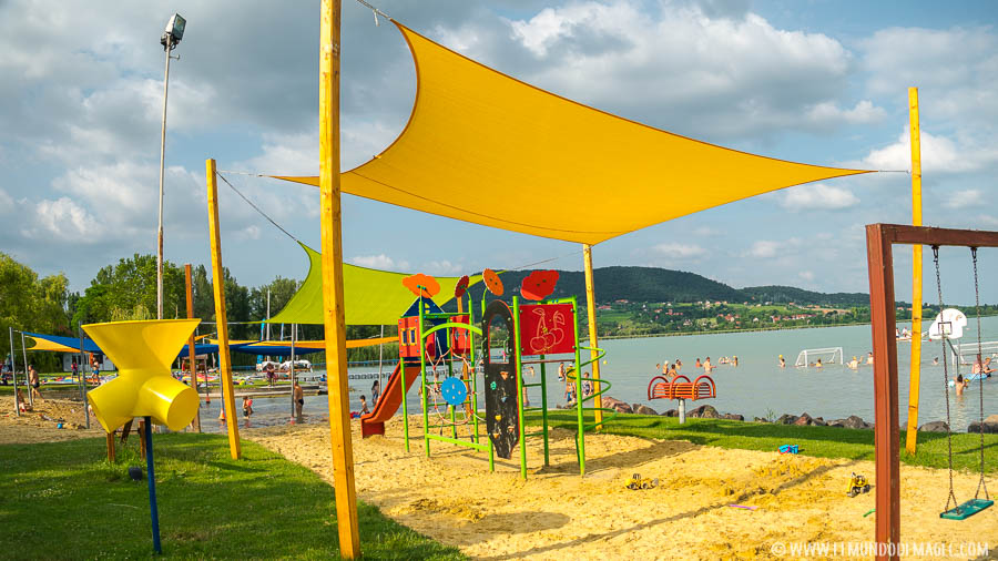 Playas del lago Balaton donde descansar después de prácticar senderismo en Hungría