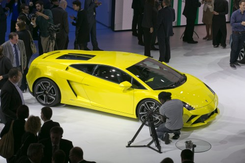 Lamborghini_at_2012_Paris_Motor_Show_group_night_paris_1