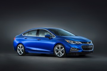 Android Auto and Apple CarPlay are coming to the 2016 Chevrolet Cruze