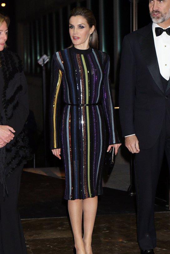 Letícia vestit brillant GTRES