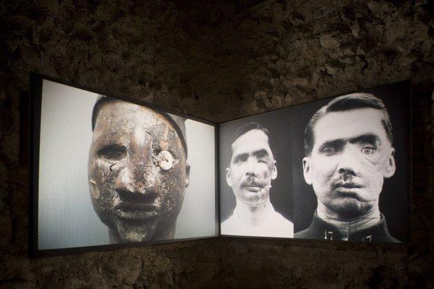 8.Kader Attia. Les cicatrius ens recorden que el nostre passat és real. Open your eyes