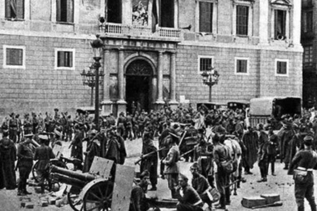 El govern de la República ordena actuar militarment contra la Generalitat. Militars espanyols que han assaltat la Generalitat. Font Arxiu d'El Nacional