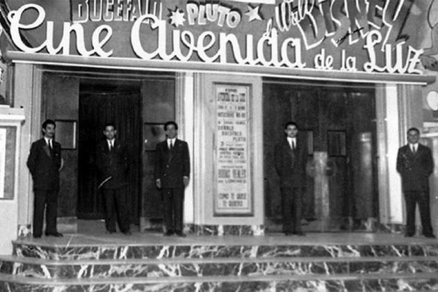 S'inaugura la Avenida de la Luz, la primera galeria comercial subterrània d'Europa. Fotografia dels anys 60. Font Blog La Barcelona de antes