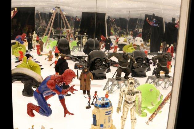 Tot tipus de ninots de pel·lícules com 'Star Wars' o 'Batman' a l'exposició. Mar Vila