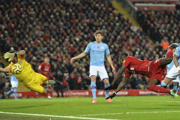 Mane Bravo Walker Liverpool Manchester City EFE