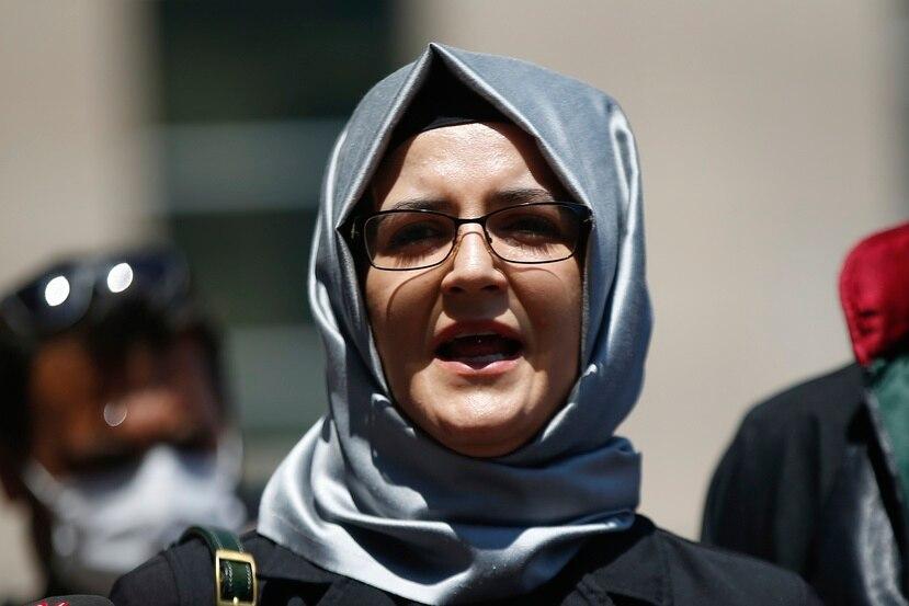 Hatice Cengiz, la prometida del periodista saudí Jamal Khashoggi asesinado por soldados de Arabia Saudí en el 2018, fue una de las personas cuyos dispositivos fueron infectados con el spyware Pegasus.