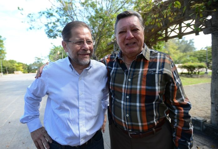 Efrain Arroyo with Guillermo Jose Torres.  Both were pillars of television journalism and the image of Notcentro by Vapa.