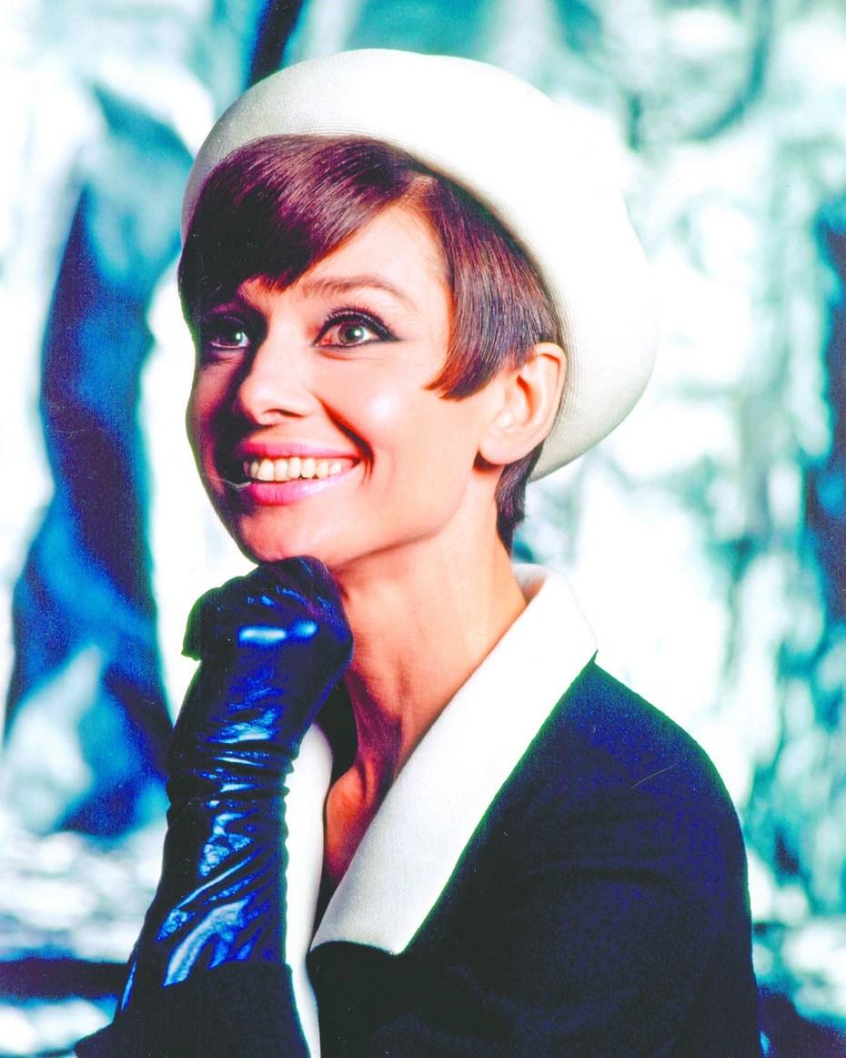 La actriz de origen belga Audrey Hepburn, falleció en Suiza en el 1993 a la edad de 63 años a consecuencia de un cáncer de colon que le fue diagnosticado en el 1992.