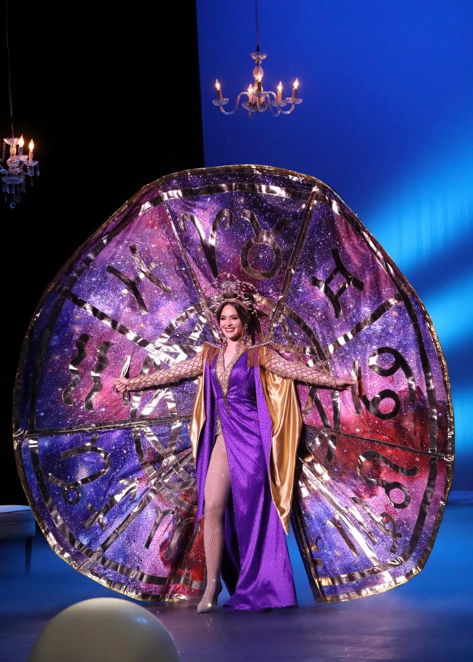 Miss Puerto Rico Universe, Estefanía Soto, mostró hoy el traje típico que usará en la competencia internacional en Florida.