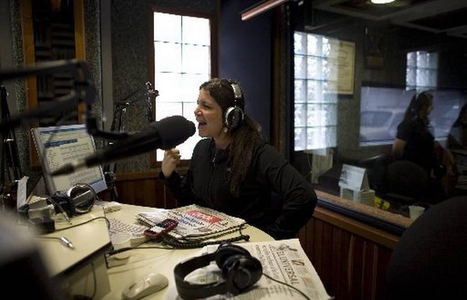 La periodista Laura Castellanos, de CNB radio.