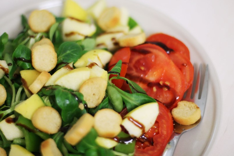 salade pomme tomate croutons