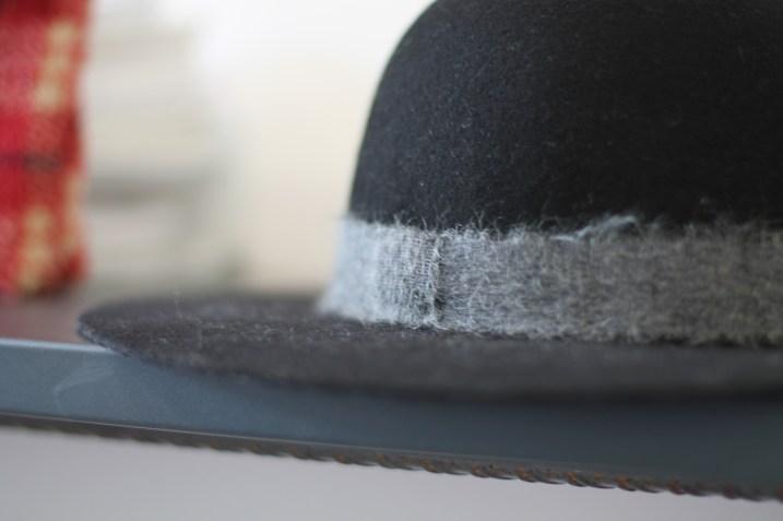 detail chapeau