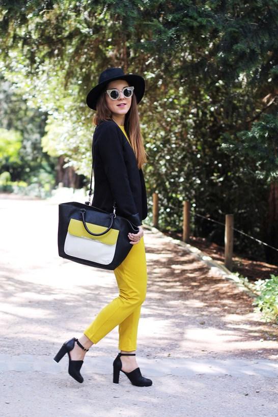 fashion blogger mustard