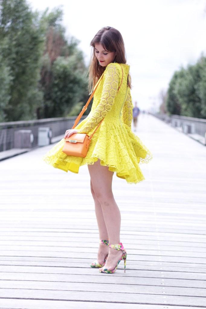 robe dentelle jaune