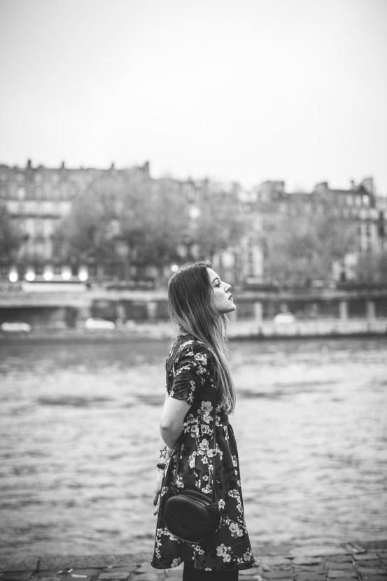 photo noir et blanc parisienne