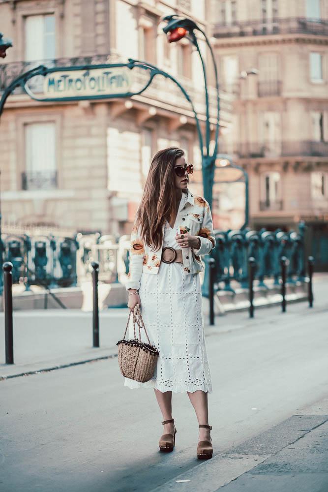 robe brodée