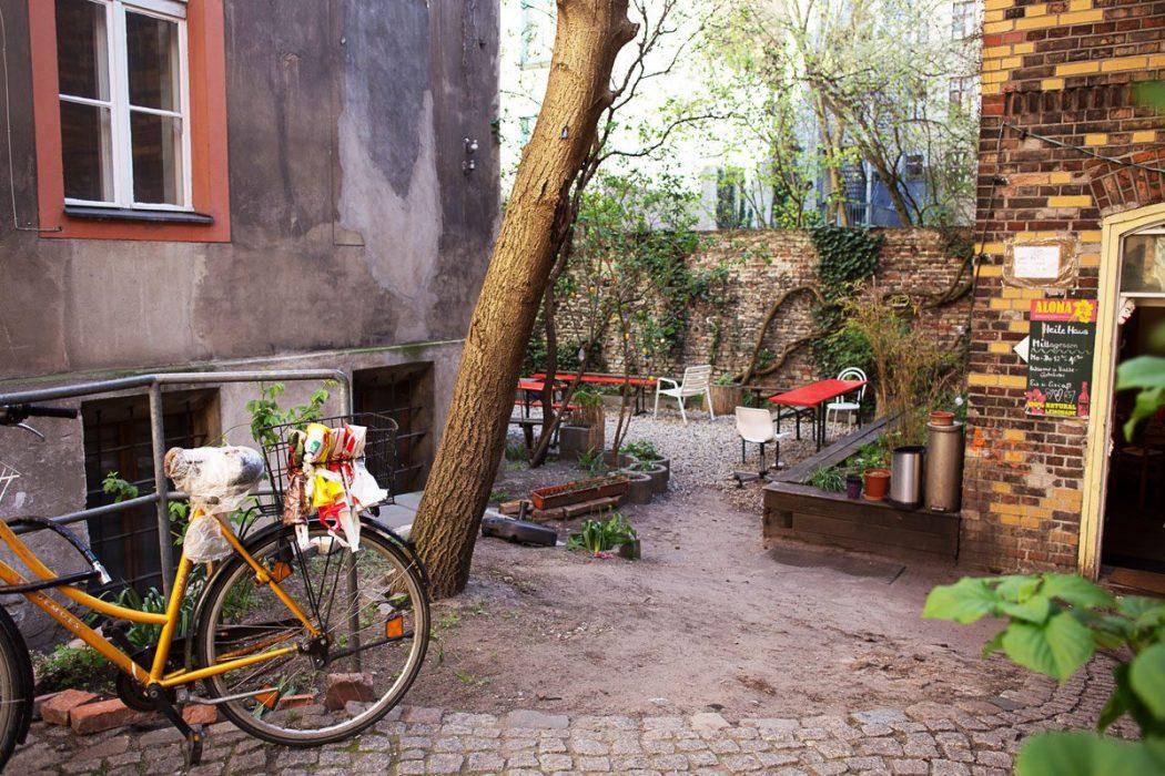150629 img 3654v A nous deux Berlin ! Fenêtre sur cour