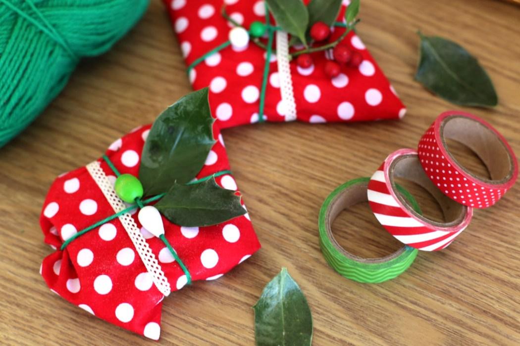 151126 emballage cadeau2 Emballer ses cadeaux avec des coupons de tissus