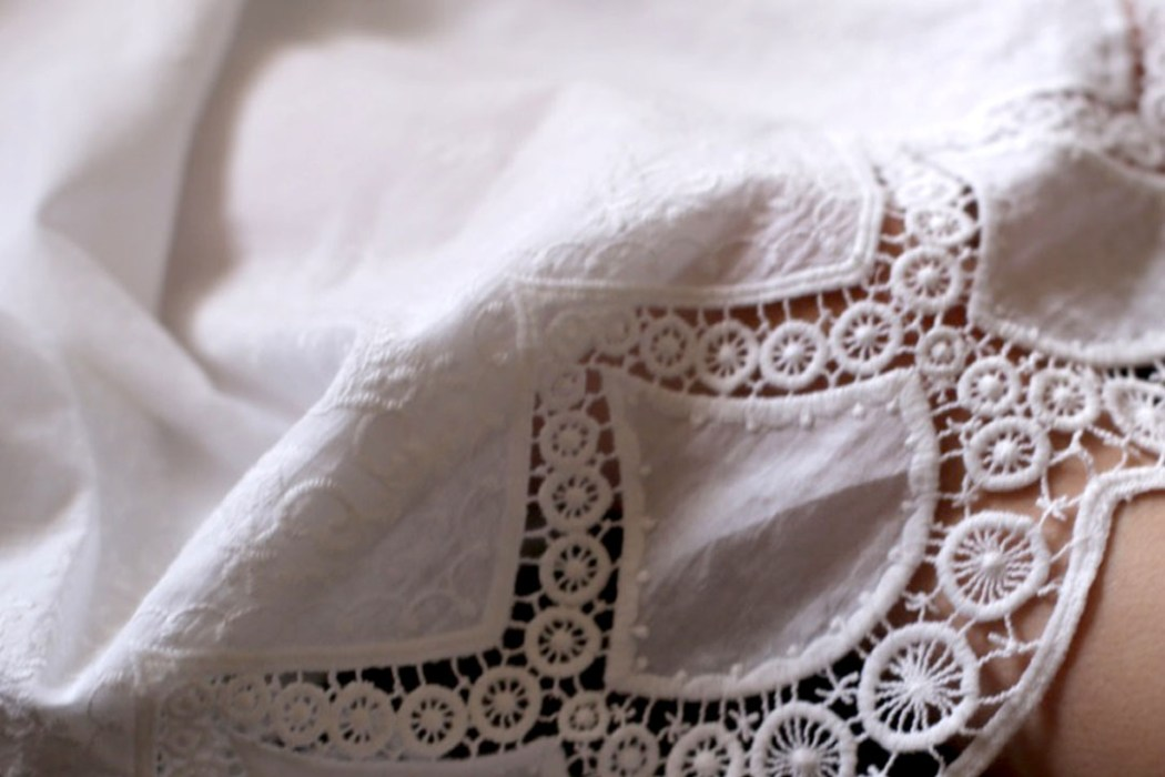 160404 lookbapteme8 Petit look de cérémonie en blanc, en rose et en broderies