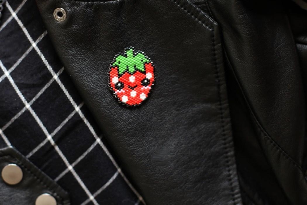160421 fraise kawaii miyuki Une petite fraise Hama en perles Miyuki (diagramme gratuit))