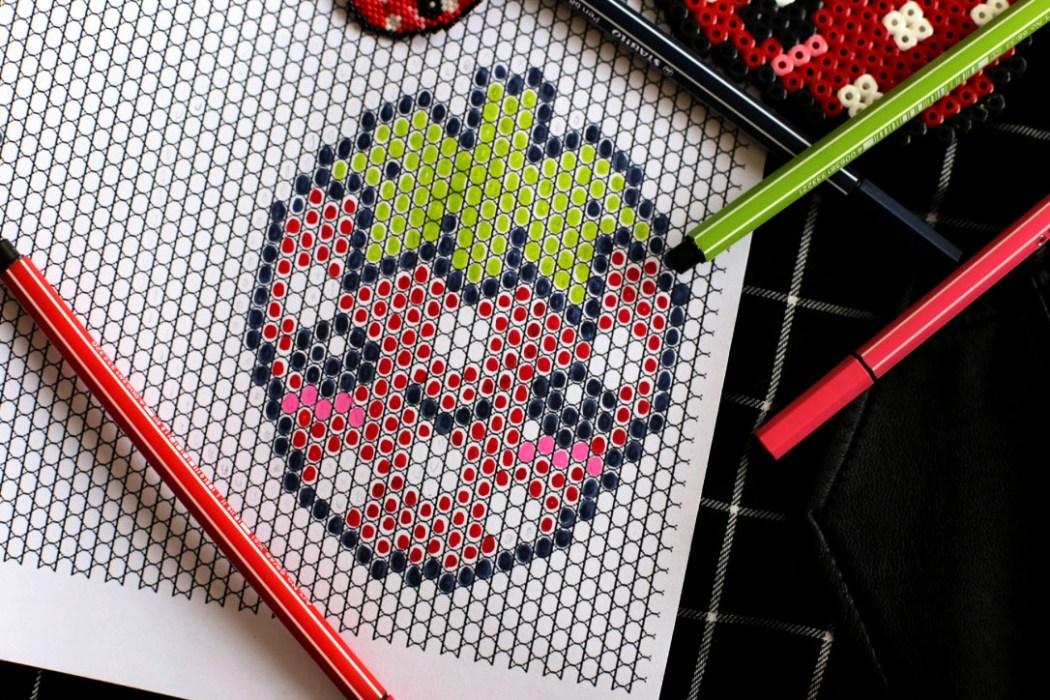 160421 fraise miyuki grille brickstitch Une petite fraise Hama en perles Miyuki (diagramme gratuit))
