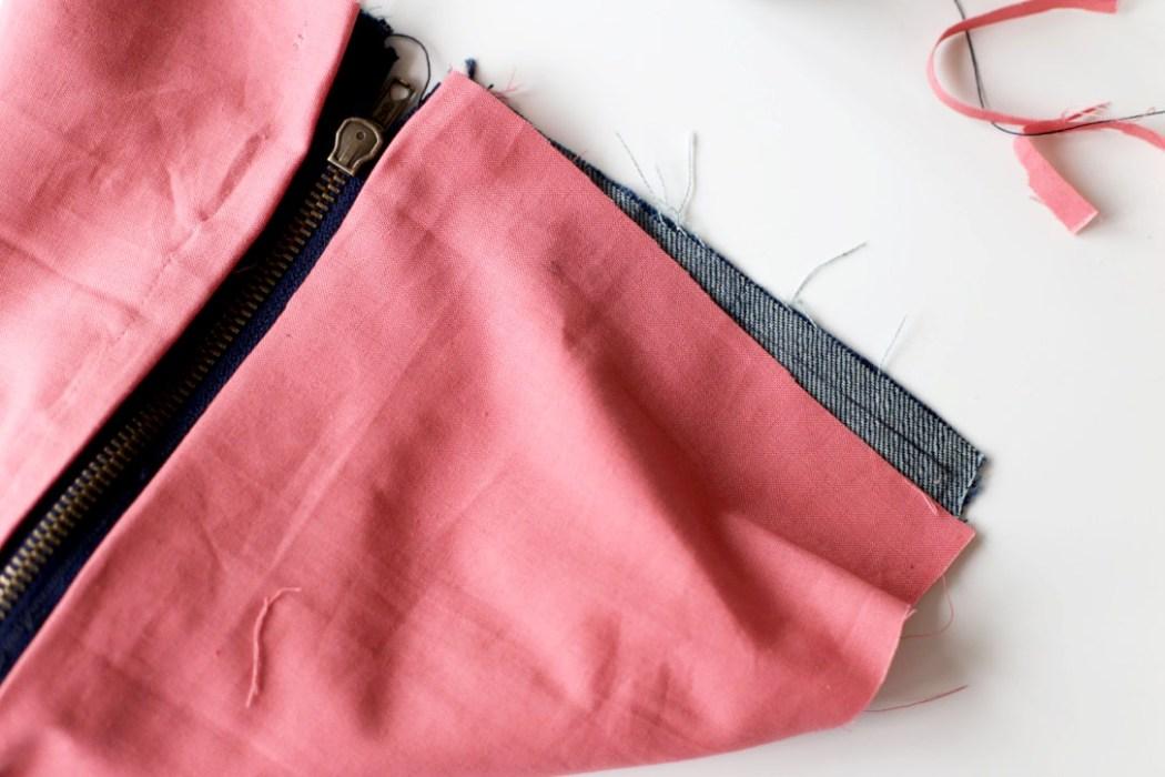 160905 couture pochette jeans recup diy Ma pochette brodée pour faire durer lété (spécial récup)