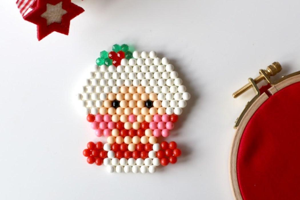 161120 mere noel perles eau aquabeads Le portrait de la Mère Noël en Aquabeads