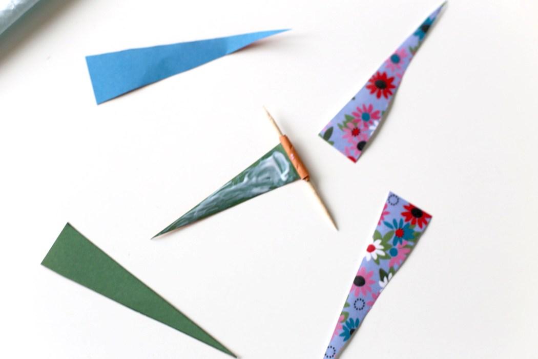170202 collage perles en papier Un collier en papier tout coloré