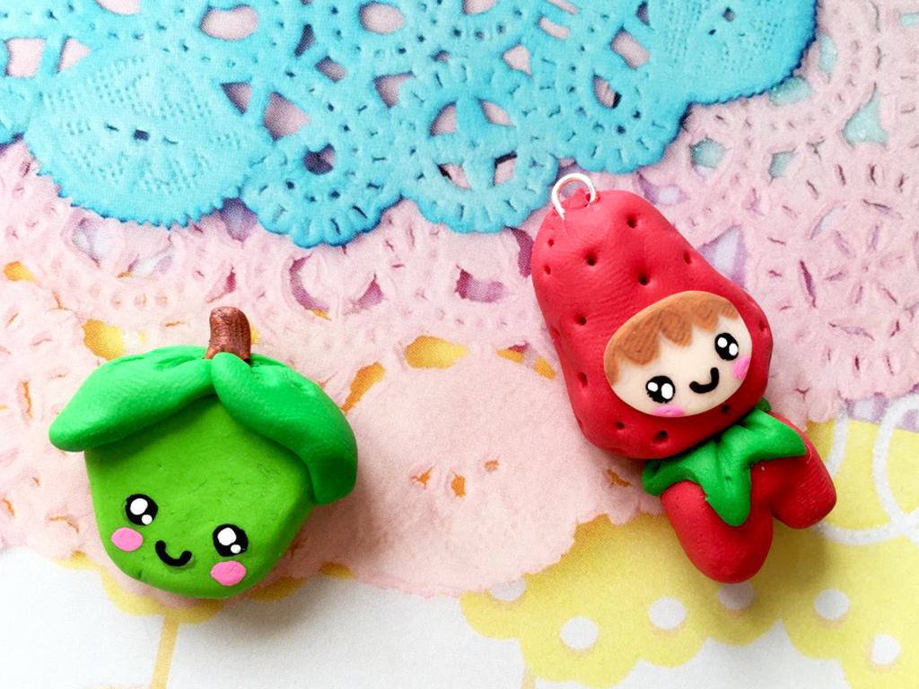 170618 pendentifs fimo fraise lutin pomme Mes débuts Kawaii avec la pâte polymère